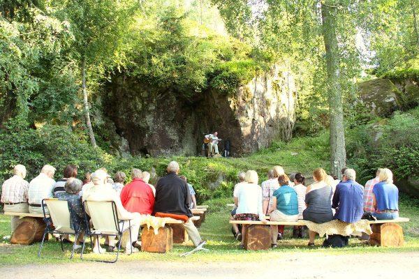 Konsertti Stentorpin kallioarenalla